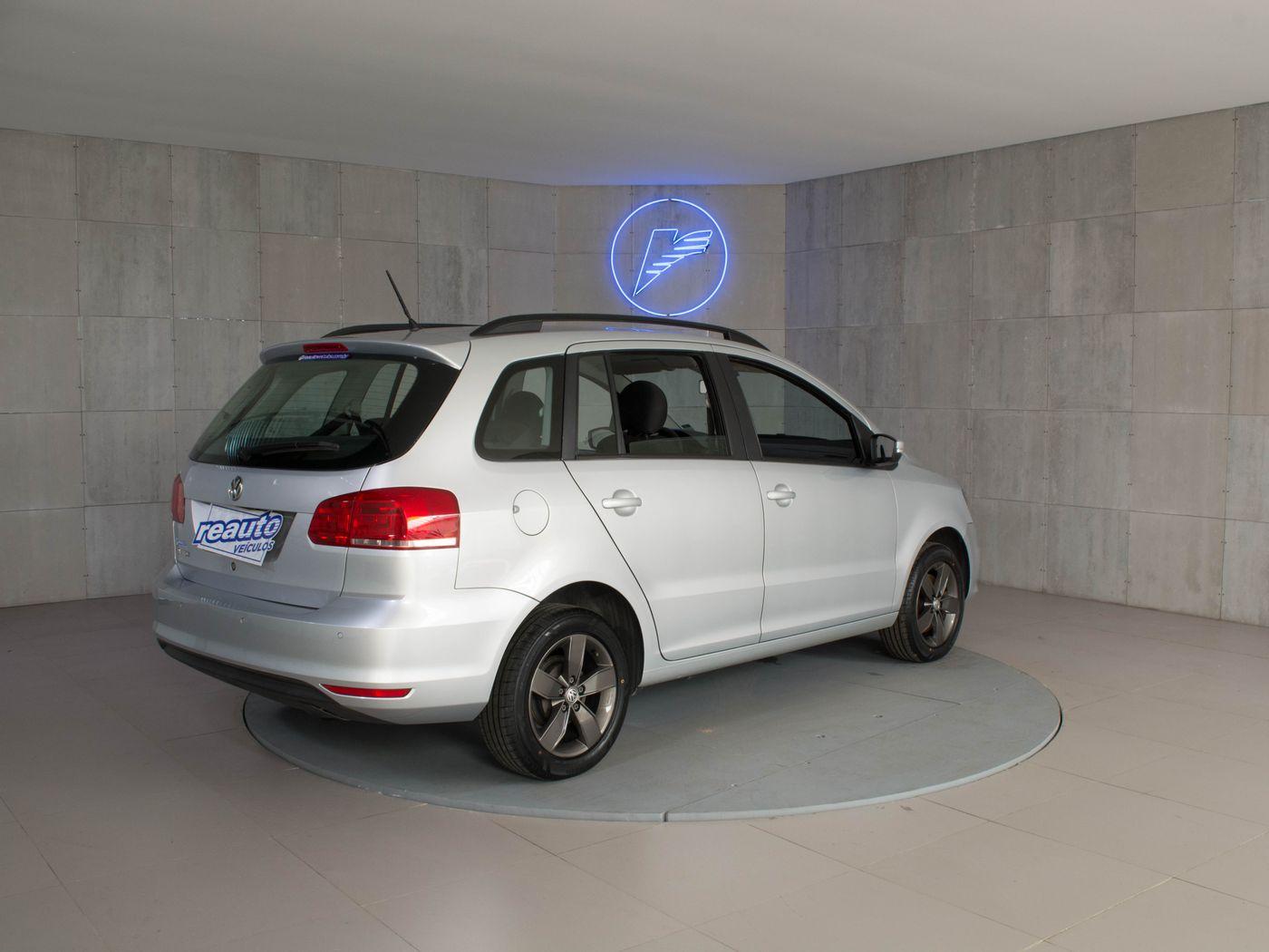 VolksWagen SPACEFOX 1.6 Trendline Total Flex 8v 5p