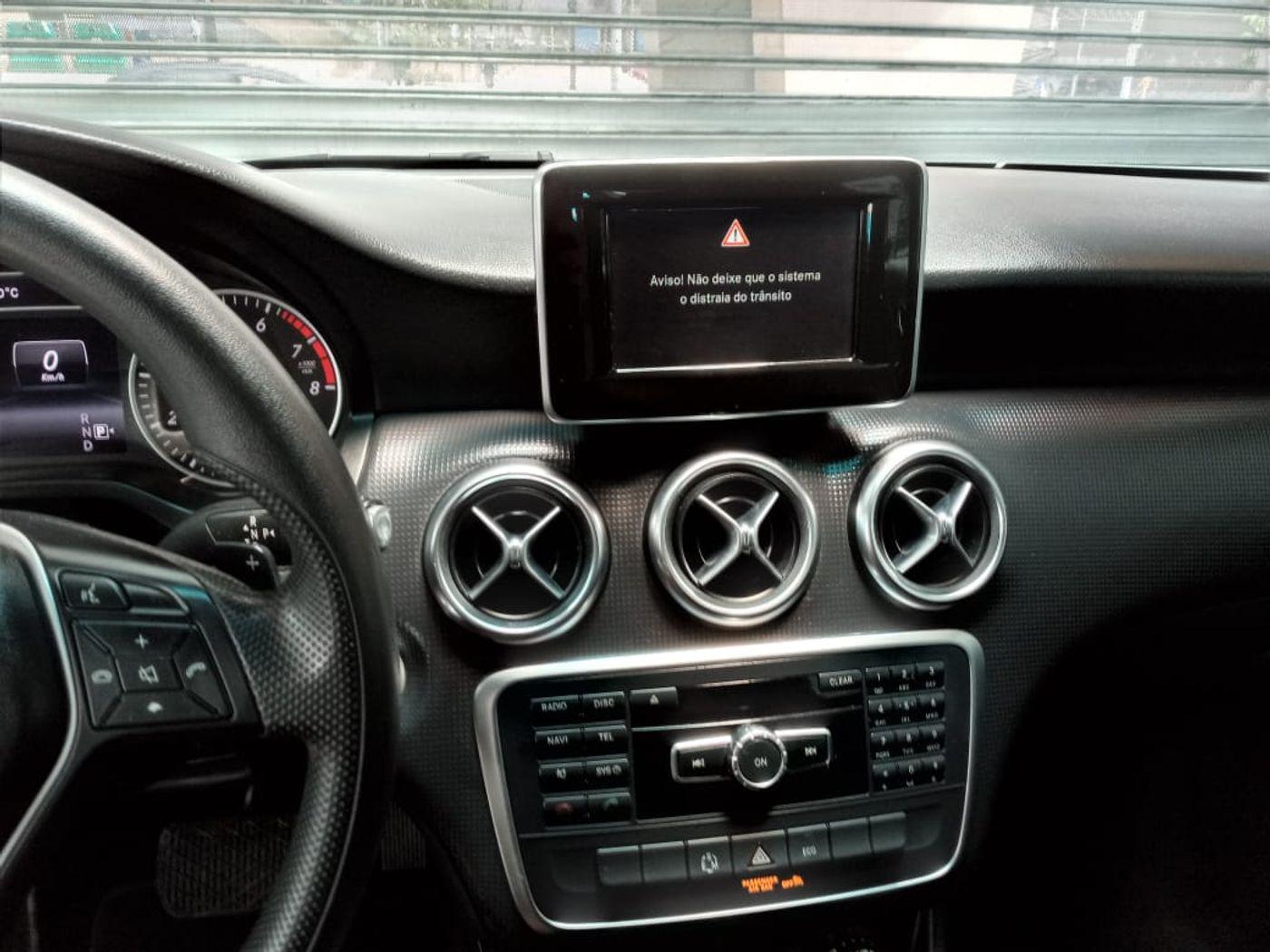 Mercedes Classe A 200 1.6 TB 16V Style 156cv Aut.