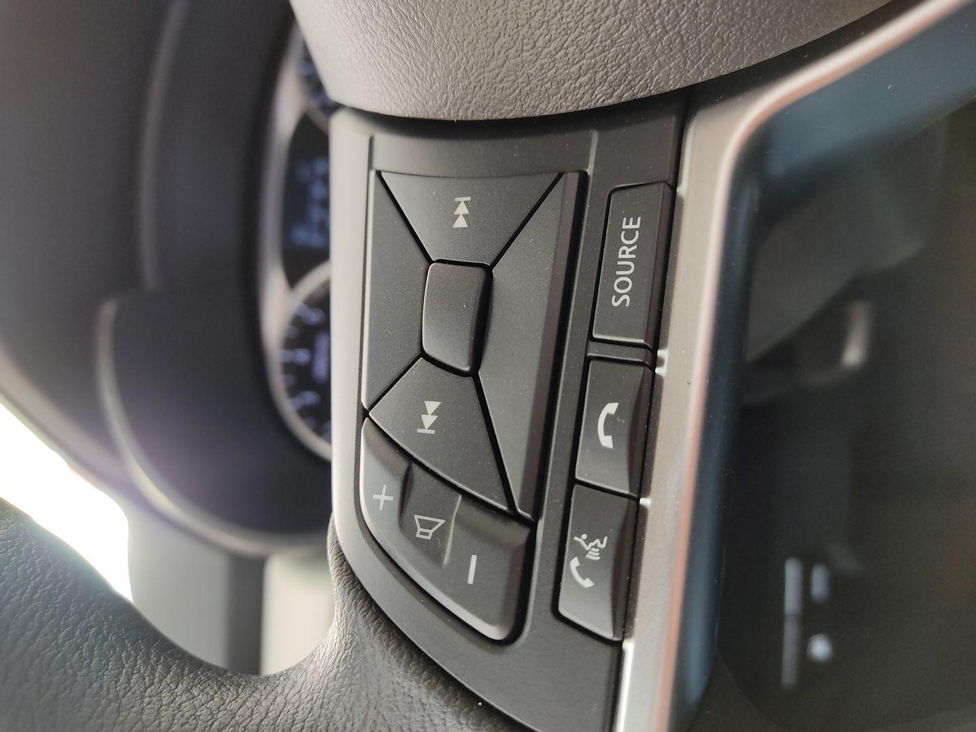 Nissan VERSA Sense 1.6 16V Flex Aut.