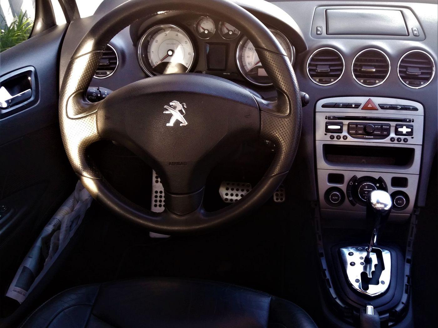 Peugeot 408 Sedan Griffe 2.0 Flex 16V 4p Aut.