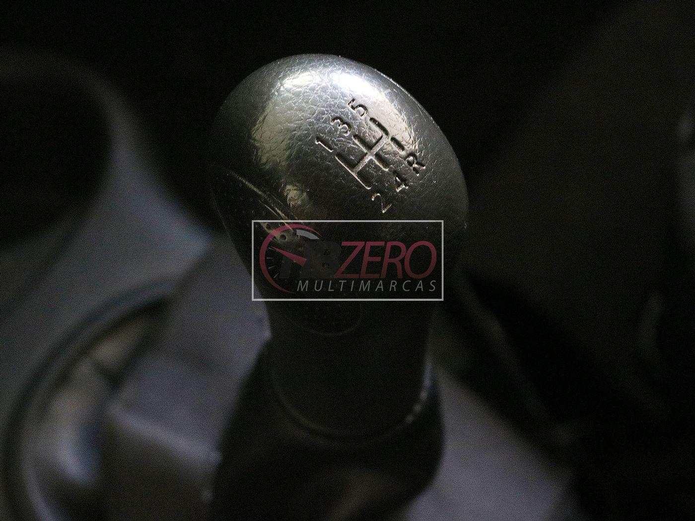 Nissan MARCH 1.0 16V Flex Fuel 5p