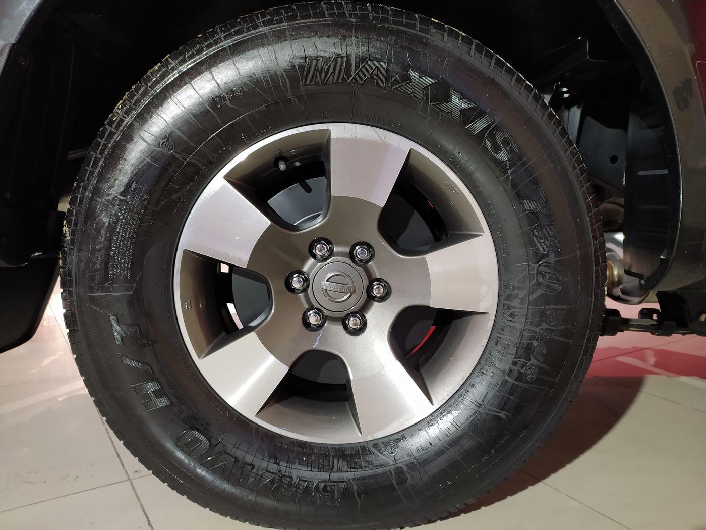 Nissan Frontier SE/SE Strik CD 4x2 2.5 TB Dies.