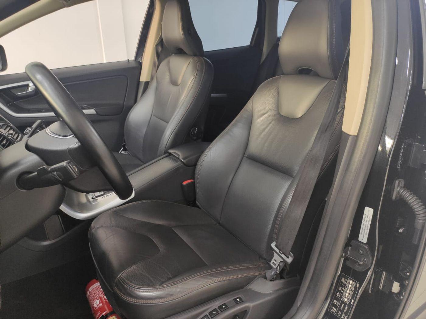 Volvo XC 60 2.0 T5  5p