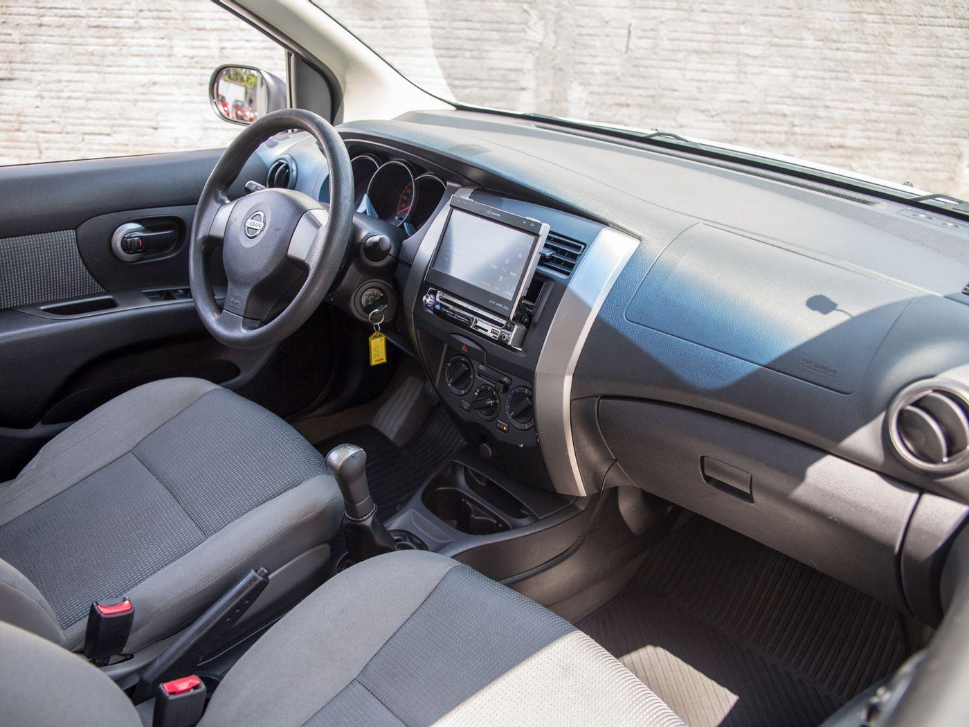 Nissan LIVINA 1.6 16V Flex Fuel 5p