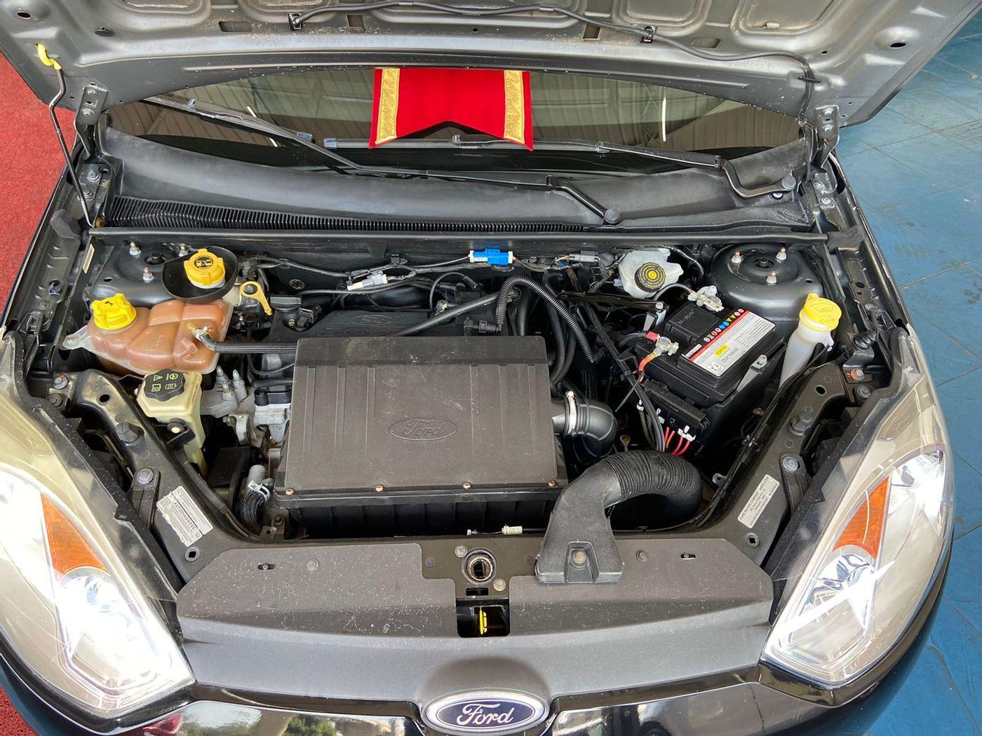 Ford Fiesta SE 1.0 8V Flex 5p