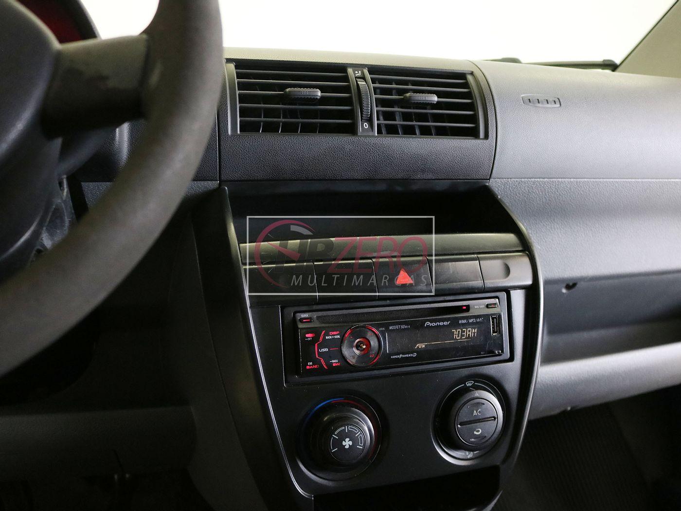 VolksWagen Fox Plus 1.6Mi/ 1.6Mi Total Flex 8V 4p