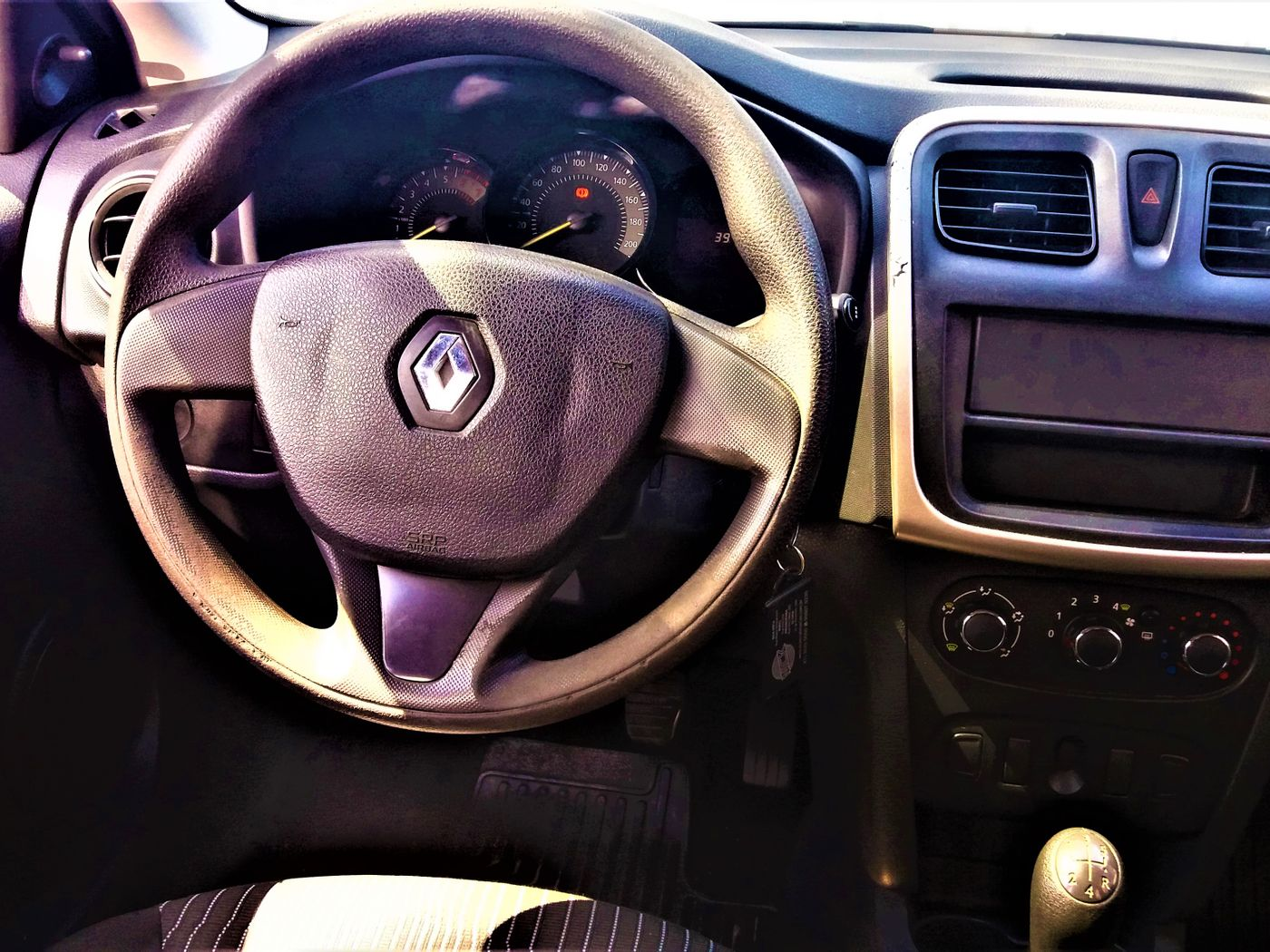 Renault LOGAN Authentique Hi-Flex 1.0 16V 4p