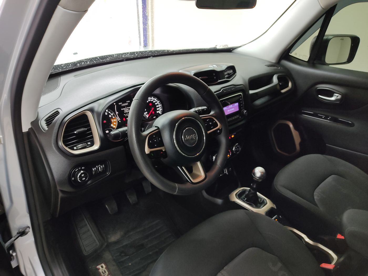 Jeep Renegade Sport 1.8 4x2 Flex 16V Mec.
