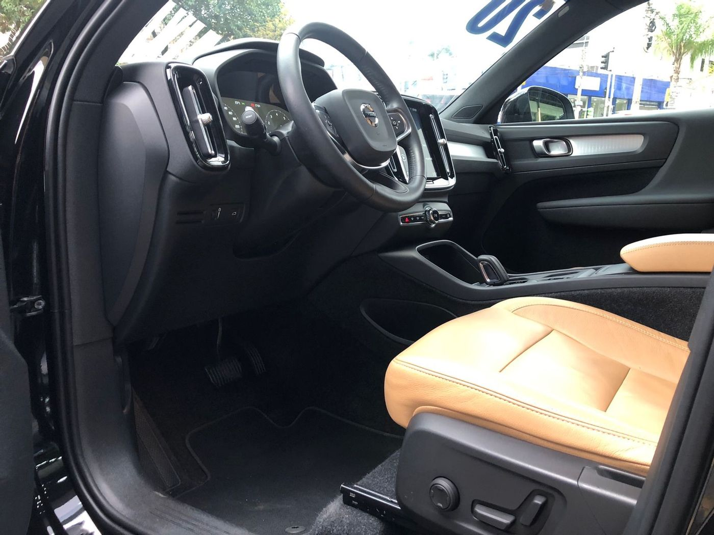 Volvo XC 40 T-4 MOMENTUM 2.0 190cv FWD