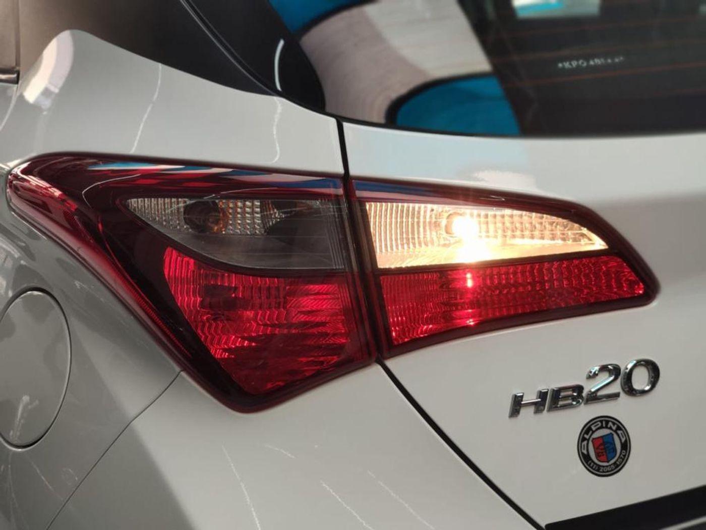 Hyundai HB20 Unique 1.0 Flex 12V Mec.