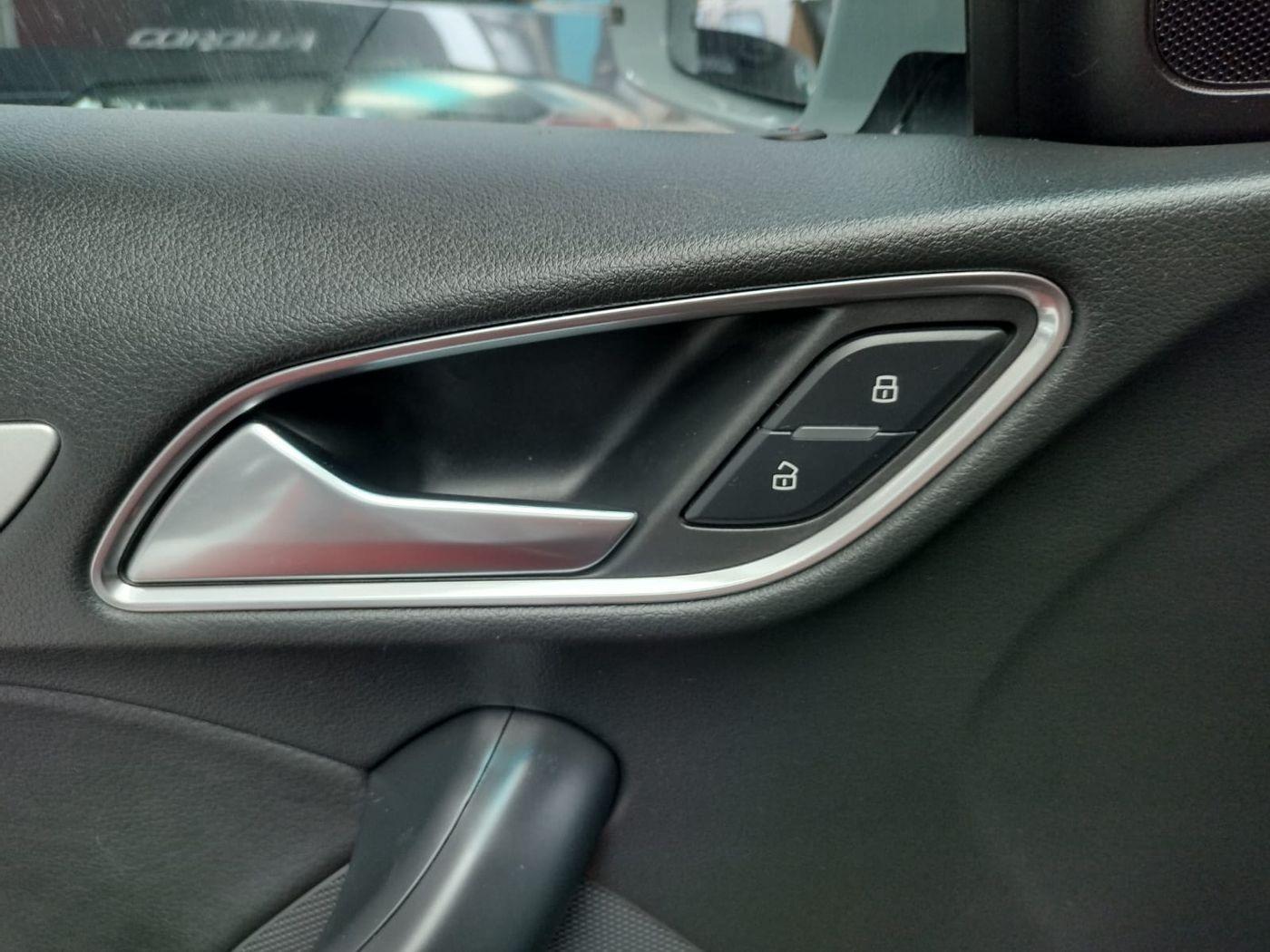 Audi Q3 1.4 TFSI/TFSI Flex S-tronic 5p