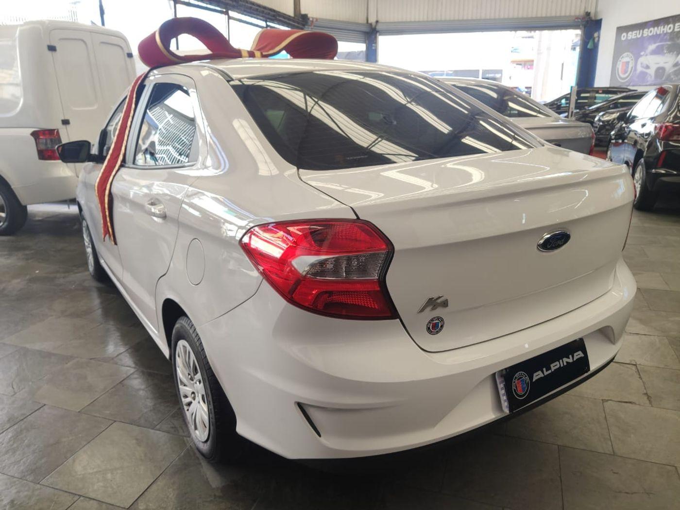 Ford Ka 1.5 Sedan SE 12V Flex 4p Mec.