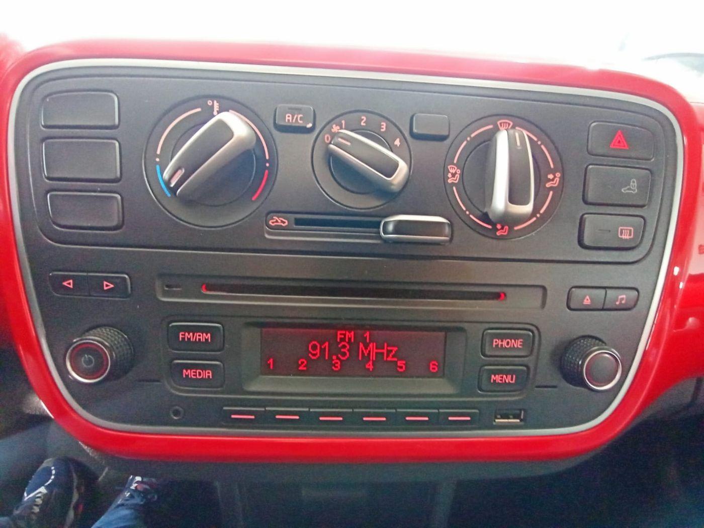 VolksWagen up! cross 1.0 TSI Total Flex 12V 5p