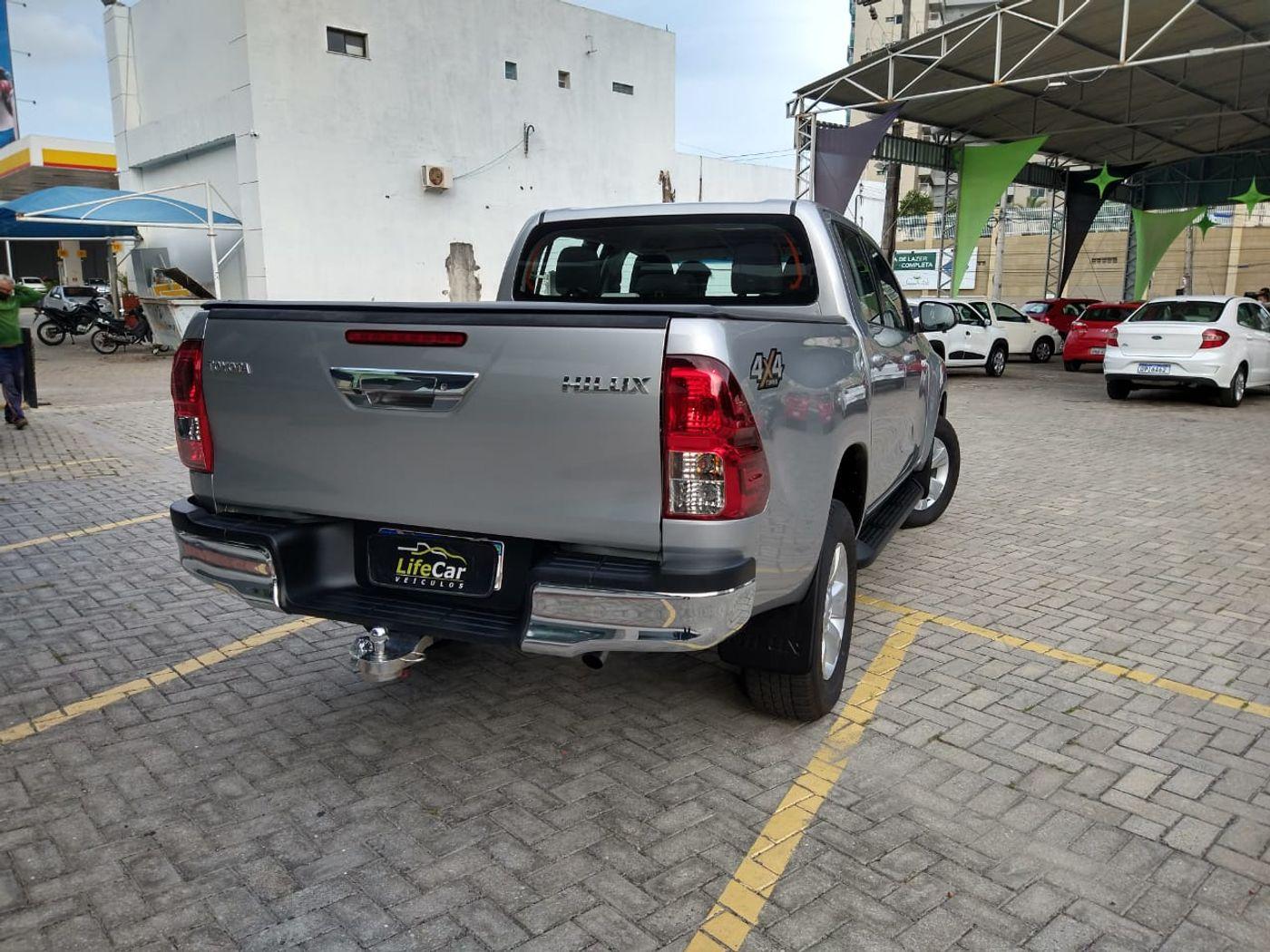 Toyota Hilux CD SR 4x4 2.8 TDI Diesel Aut.