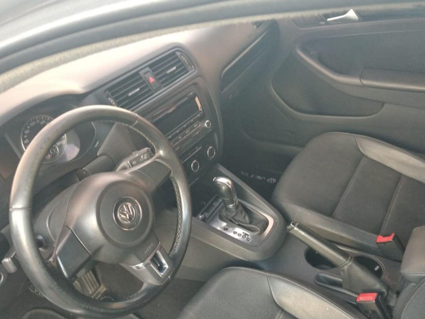VolksWagen JETTA Comfortline 2.0 T.Flex 8V 4p Tipt.