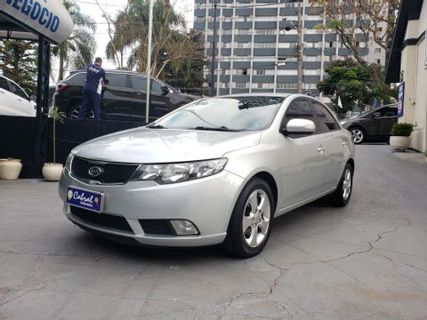 Kia Motors Cerato 1.6 16V Mec.