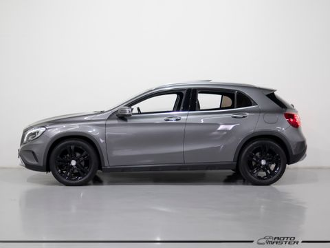 Mercedes GLA 200 Vis. Black Ed. 1.6 TB 16V  Aut.
