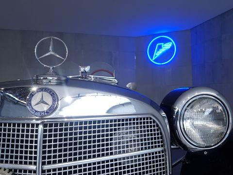 Mercedes Benz M280