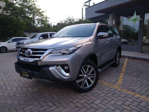 Foto do veiculo Toyota Hilux SW4 SR 4x2 2.7/ 2.7 Flex 16V Aut.