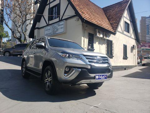 Foto do veiculo Toyota Hilux SW4 SRV 4x2 2.7 Flex 16V Aut.
