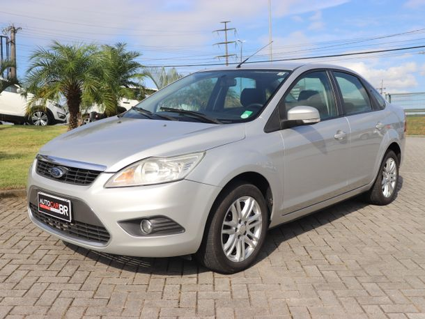 Ford Focus Sedan 2.0 16V/2.0 16V Flex 4p