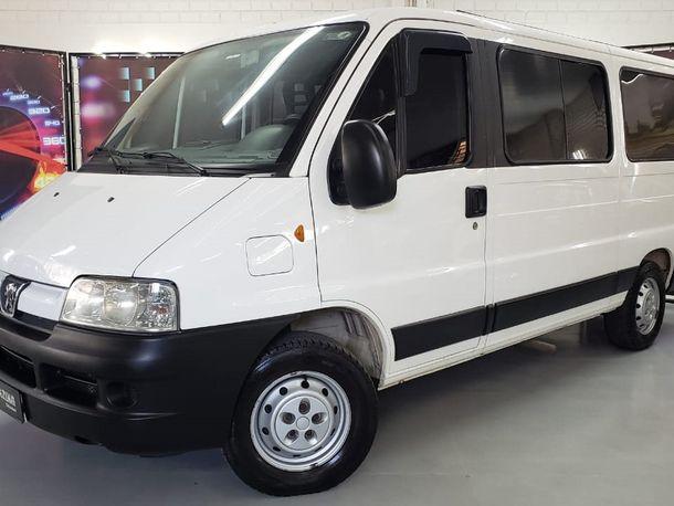 Peugeot Boxer 2.3 Minibus 15/16L TB Diesel.